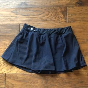 Like new! Stella McCartney tennis skirt - Navy L